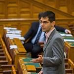 """Novák: """"nem véletlenül becézik Piálffynak a KDNP borszakértő mamelukját"""""""