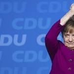 Merkel munkához lát, és felemeli a hangját