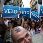 A tüntetések kifulladása csalóka: a robbanásveszély nem múlt el