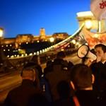 Alaptörvény 2.0: ezrek kérlelték Áder János