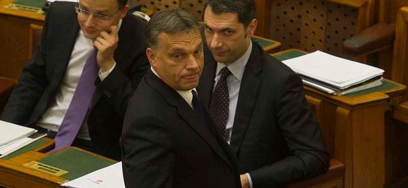 """Lázár: """"badarság"""", hogy a Fidesz magára írta a választási törvényt"""