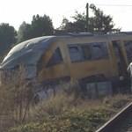 Durva vonatbaleset történt Szlovákiában a magyar határhoz közel, sok a sérült – videó