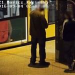 Ritka trükkösen fosztottak ki egy embert a 6-os villamoson, pillanatok alatt elfogták őket - videó
