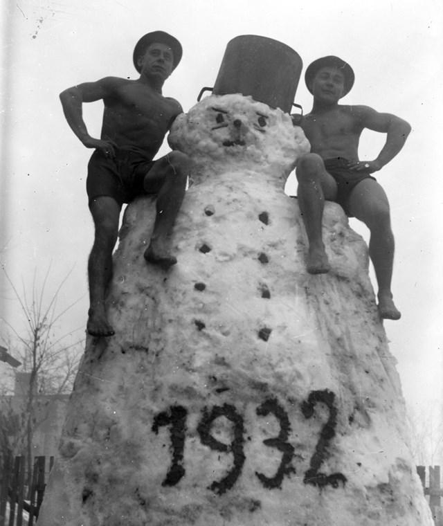 fortepan_! Szilveszter 1932. Hóember szilveszter