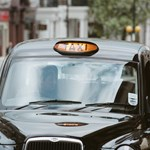 Taxival a Föld körül