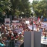 Maffiabaloldalas molinó várta a trafikmutyi ellen tüntetőket