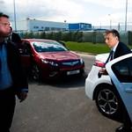 Nézzen Ön is autógyárat Orbán Viktorral - Nagyítás-fotógaléria