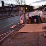 Munkagödörből szedték ki egy ittas sofőr autóját Győrben – fotók