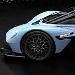 Hivatalos fotókon az Aston Martin F1-technikás közúti hibrid hiperautója