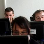 Ingyenes tanfolyamok: a budapesti nyelviskolákban már nincs több hely?