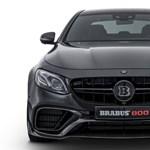 Így gyorsít bőven 300 km/h fölé egy 800 lóerős Brabus Mercedes – videó
