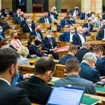 A Fidesz parlamenti gyalogsága végezheti be Orbánék közpénztelenítési hadjáratát