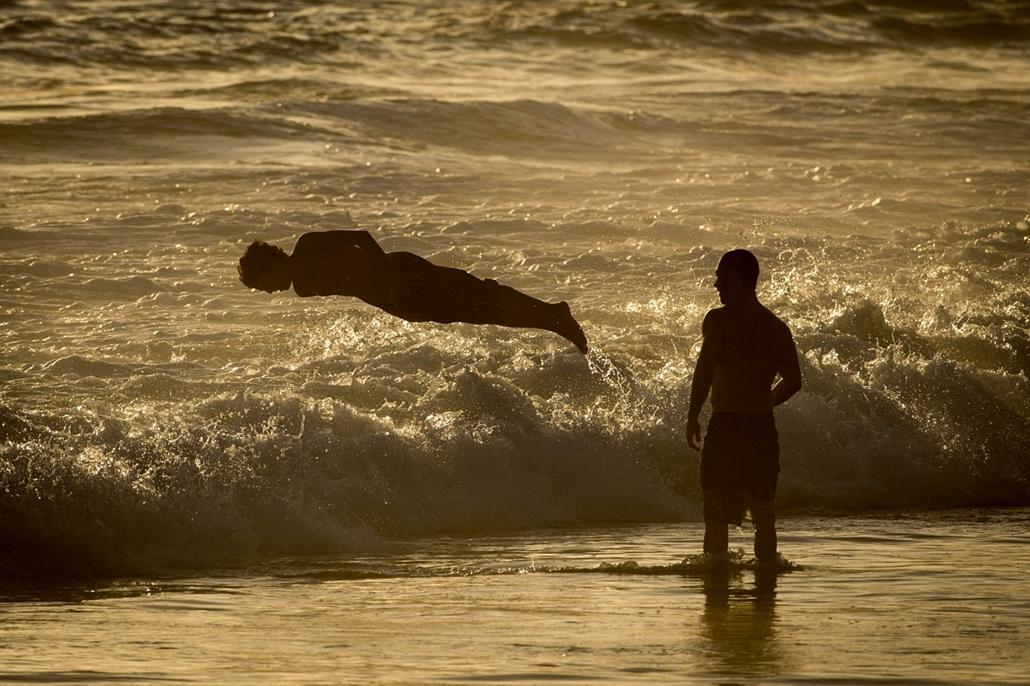 afp. hét képei - Rio de Janeiro, Brazília, 2014.12.16. strand