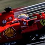 Vettel indulhat az élről Szingapúrban