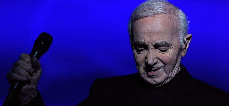 Charles Aznavour még a halálával is tett egy szívességet Franciaországnak