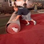 Kiterítették az Oscar-gála vendégváró vörös szőnyegét