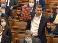 Jakab Péter Tiborcz Istvánról beszélt volna a parlamentben, de kikapcsolták a mikrofonját