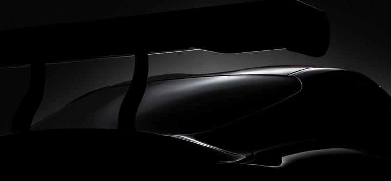Évek óta vártunk rá, most végre megmutatja új erőgépét a Toyota