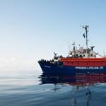 Újabb menekülthajónak tiltotta meg a kikötést Orbán egyik legnagyobb csodálója