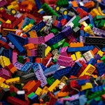 Lego-rajongó felnőtteknek indít pályázatot a játékgyár és a MOME
