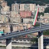 A leomlott genovai híd helyén új van, a politikai alkut megkötötték, felelős még nincs