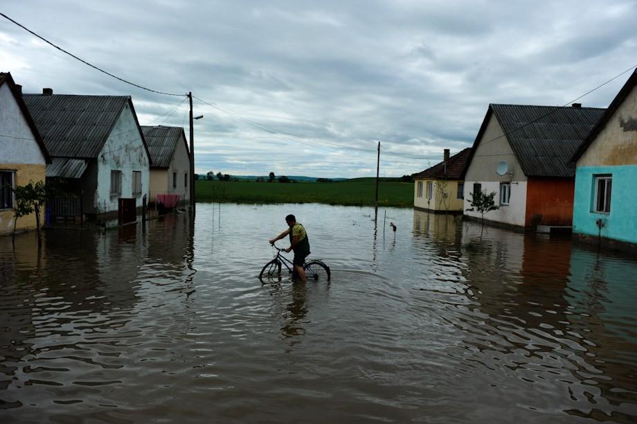 Derékig a vízben Miskolcon és környékén – Nagyítás fotógaléria