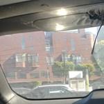 A nap képe: A bolondos tudós egy prizmatükröt felejtett a kocsijában, kicsit megolvadt az autó