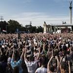 Túszdráma, hazatérő focisták és színes fesztiválok a hét képein