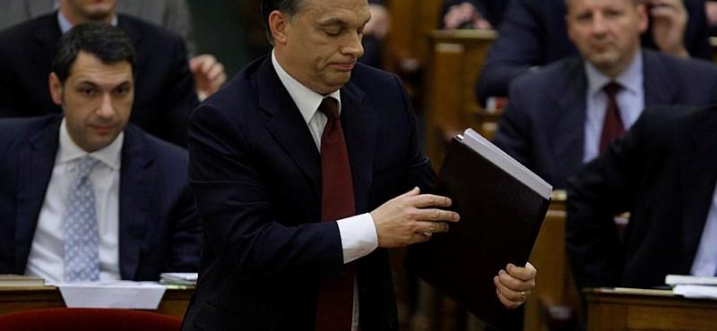 Költségvetés: nem elég a kiigazítás, maradnak a válságadók