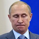 Putyin aggódik és Merkel segítségét kéri