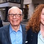 Brit sajtóbotrány: lemondott a brit Murdoch-cég vezére