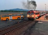 A MÁV alá rendelték a Volánbuszt