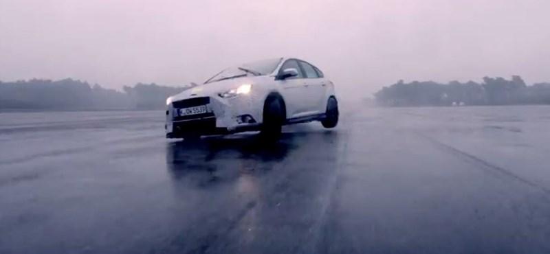 Két hét és itt az új Ford Focus RS – 330 lóerős lehet