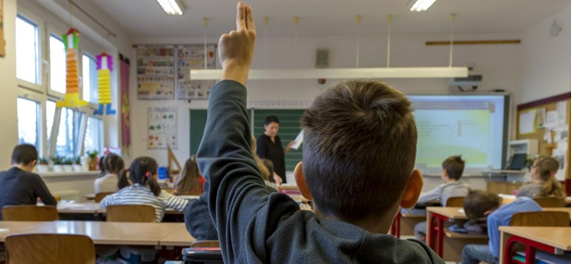 Hatévesen iskolába küldhetik a gyerekeket, csak nem tudni, ki dönt erről