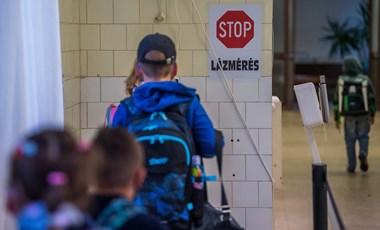 PSZ: ha egy gyermek is megbetegszik a jelenléti oktatás miatt, az nem az intézmények felelőssége