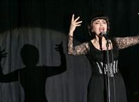 Putyin után a magyar közönséget is el akarja kápráztatni: jön Mireille Mathieu