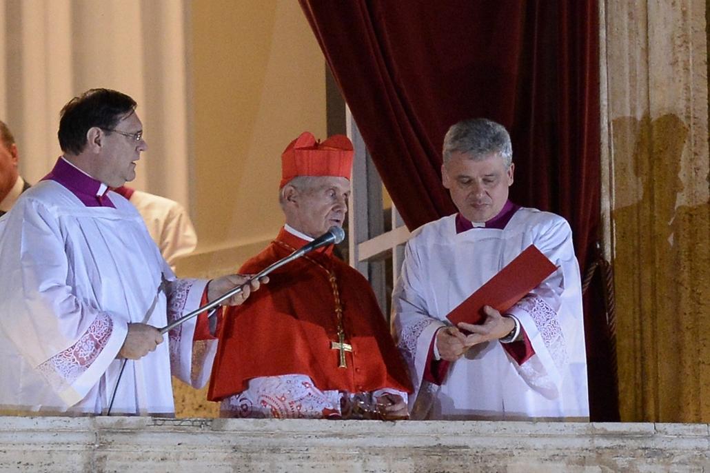 Jean-Louis Tauran bejelentése a Szent Péter-bazilika erkélyén - pápaválasztás - pavalko