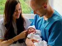 Képeket posztolt Gulácsi Péter az újszülött kisfiáról