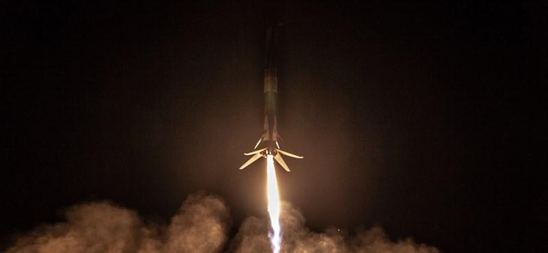 Fotók: Az eddigi leglátványosabb rakétakilövését hozta össze a SpaceX