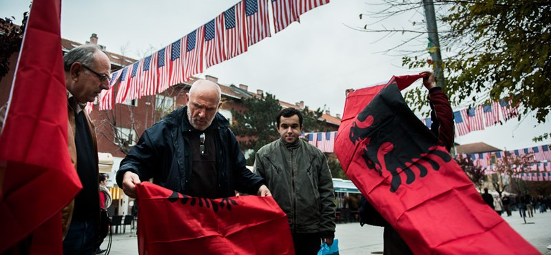 Most nagyhatalmi áldást kaphat Szerbia és Koszovó területcseréje
