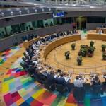 Orbán számára kedvezőbb Bizottságról álmodozik, de egyelőre vesztésre áll