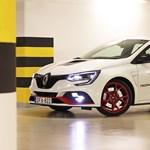 30 millió forint egy Renault-ért? Meghajtottuk a Megane R.S. Trophy-R-t