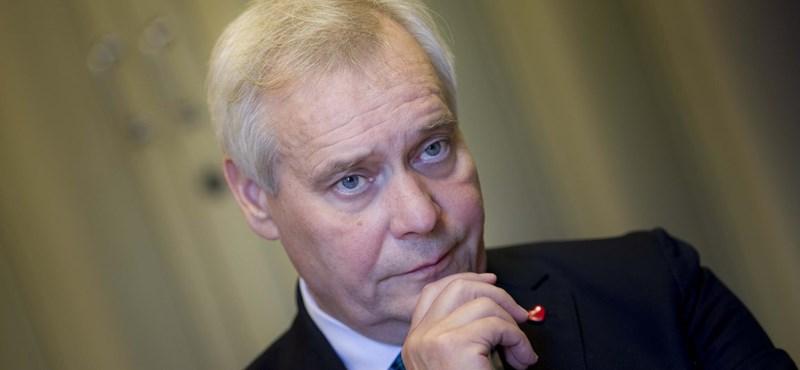 Belebukott a postások sztrájkjába a finn miniszterelnök