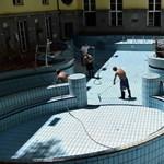 Galéria: takarítják az elárasztott Lukács fürdőt