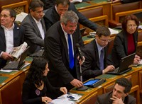 Már a kiemelkedő nemzeti értékeket is miniszteri biztos felügyeli