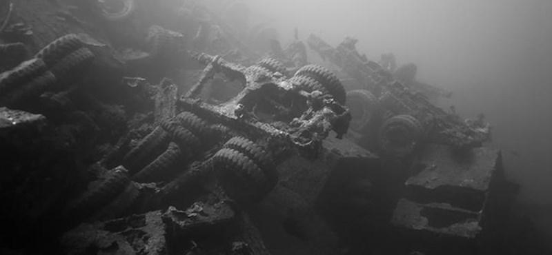 Így néznek ki az autók, amik 70+ éve fekszenek az óceán mélyén