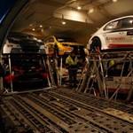 Michelisz WTCC-s Hondája már egy repülőgép rakterében lapul