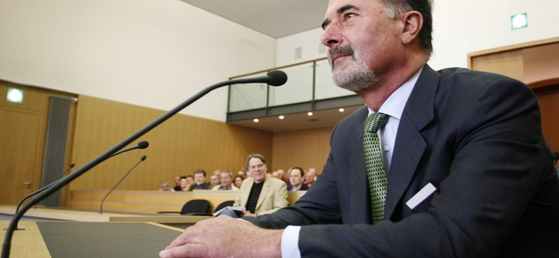 Százezer euróra büntették a Volkswagen volt vezetőjét