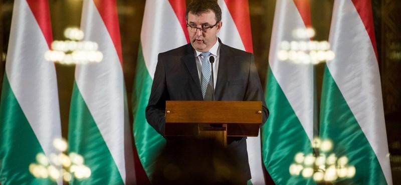 Palkovics: javultak a diákok készségei, mert a tanítók nem aggódnak a gázszámla miatt