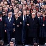 Orbánt árnyékként követte a menetben a TEK vezetője